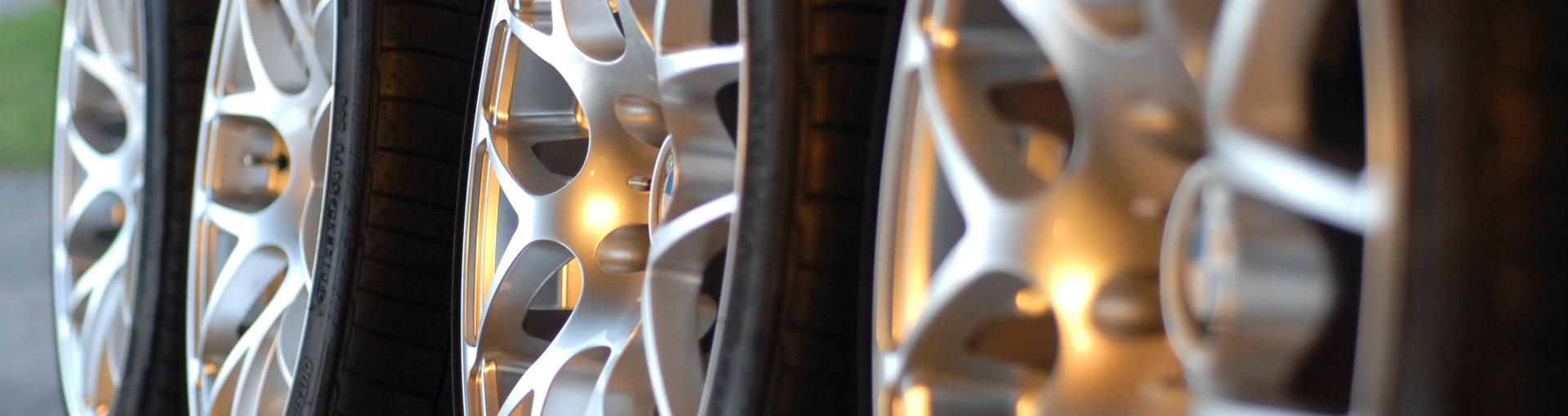 Foto gomme auto e pneumatici